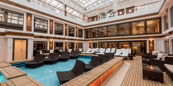 The Haven Pool on Norwegian Bliss (Photo: Cruise Critic)
