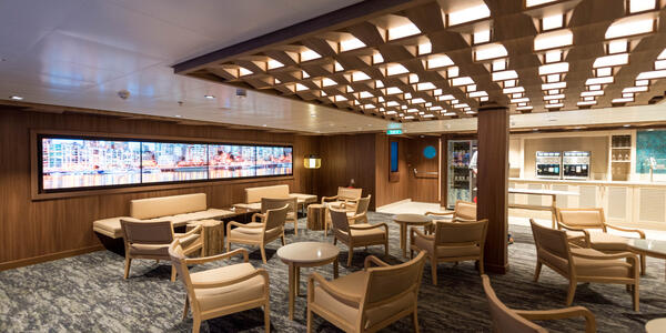 Studio Lounge on Norwegian Bliss (Photo: Cruise Critic)