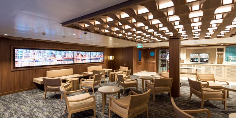 Studio Lounge on Norwegian Bliss (Photo: Cruise Critic)