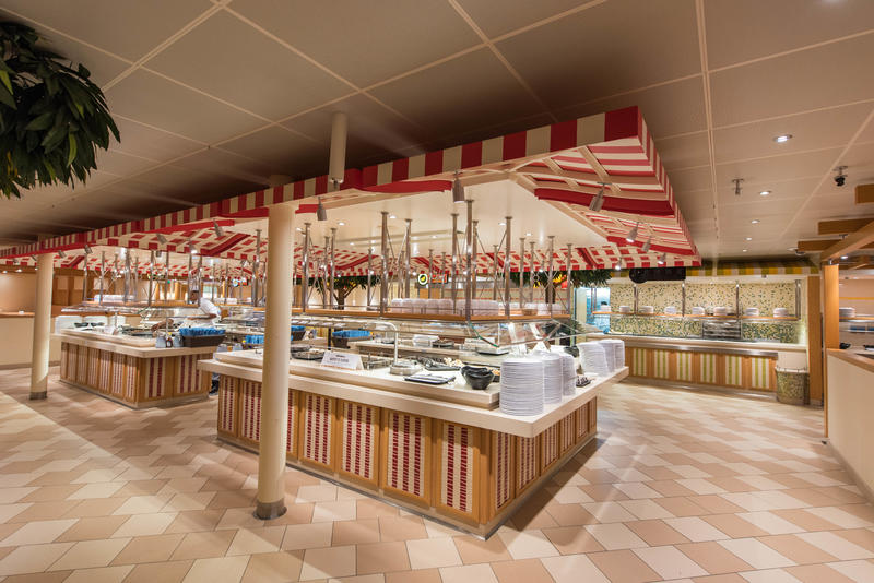 Lido Marketplace on Carnival Horizon