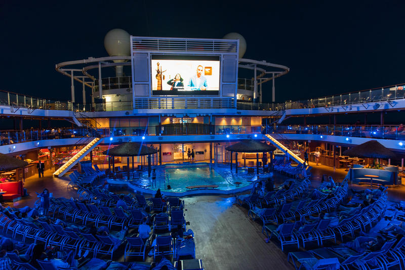 Outdoor Movie Screen on Carnival Horizon