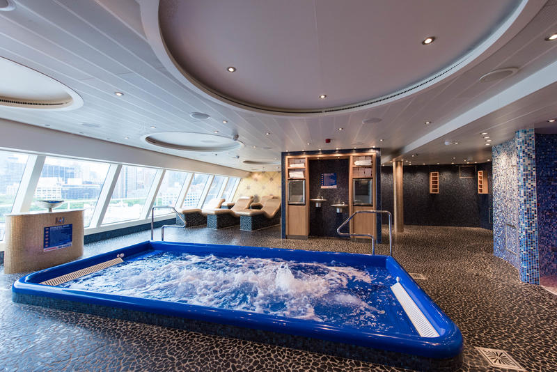 Spa Pool on Carnival Horizon