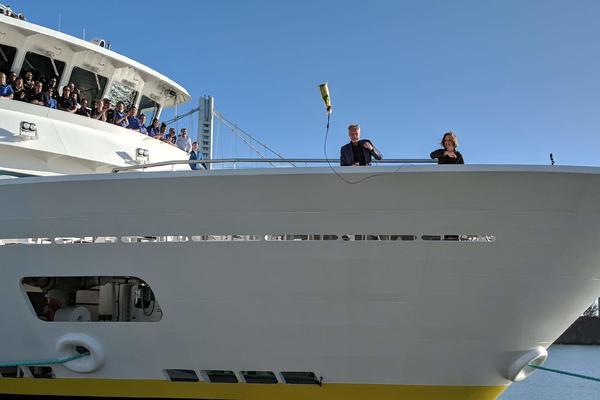 Sven Lindblad and Pamela Fingleton christening National Geographic Venture (Photo: Colleen McDaniel/Cruise Critic)
