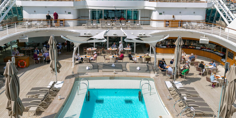 The Patio on Seabourn Ovation (Photo: Cruise Critic)