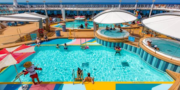 Main Pools on Mariner of the Seas