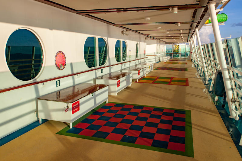 Giant Checkers on Mariner of the Seas