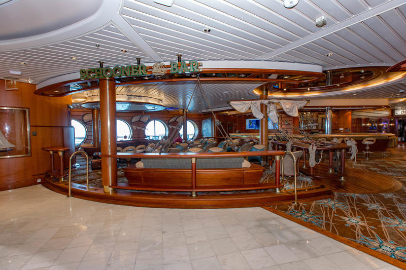 Schooner Bar on Mariner of the Seas
