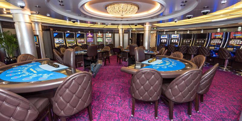 Casino on Oceania Marina (Photo: Cruise Critic)