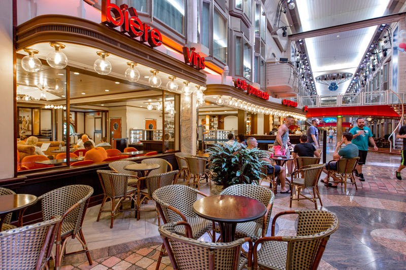 Cafe Promenade on Mariner of the Seas