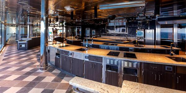 Culinary Arts Kitchen on Seven Seas Explorer (Photo: Cruise Critic)
