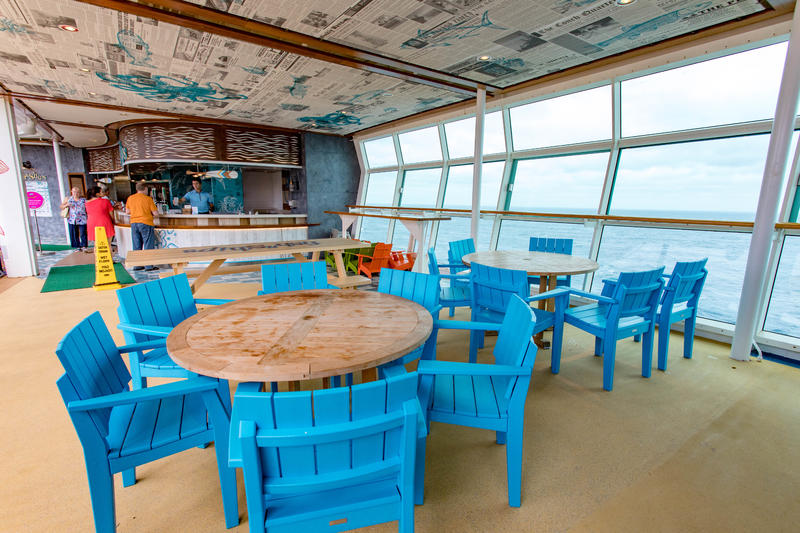 Fish and Ships on Independence of the Seas