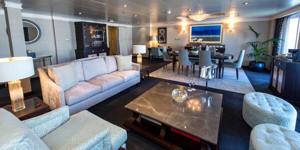 The Master Suite on Seven Seas Navigator (Photo: Cruise Critic)