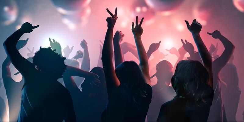Dancing Young Adults (Photo: vchal/Shutterstock)