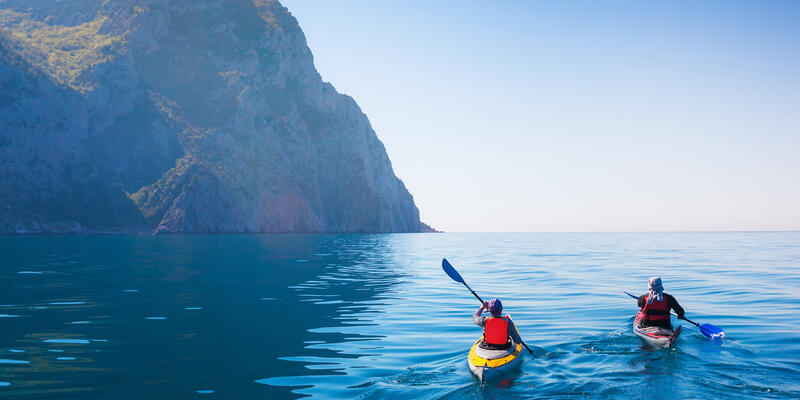 Couple Kayaking (Photo: Kuznetcov_Konstantin/Shutterstock)