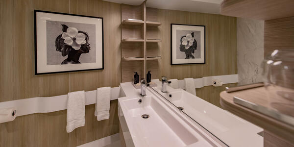 The Deluxe Inside Cabin on Celebrity Edge (Photo: Cruise Critic)