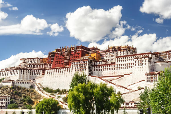 Potala Palace in Lhasa, Tibet (Photo: HelloRF Zcool/Shutterstock)