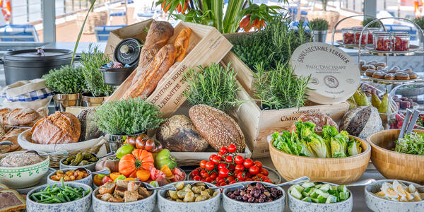 Food on La Belle Étoile at S.S. Bon Voyage (Photo: Uniworld)