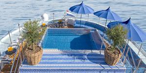 Pool on Sun Deck on S.S. Bon Voyage (Photo: Uniworld)
