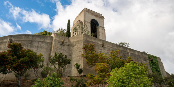 Photograph of a concrete memorial to William Wrigley in the Botanic Gardens on Catalina Island - Photography by Steve Heap via Shutterstock
