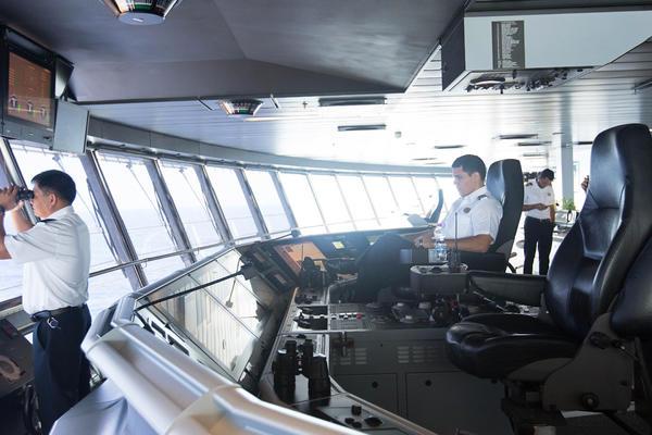 The Bridge on Allure of the Seas (Photo: Cruise Critic)