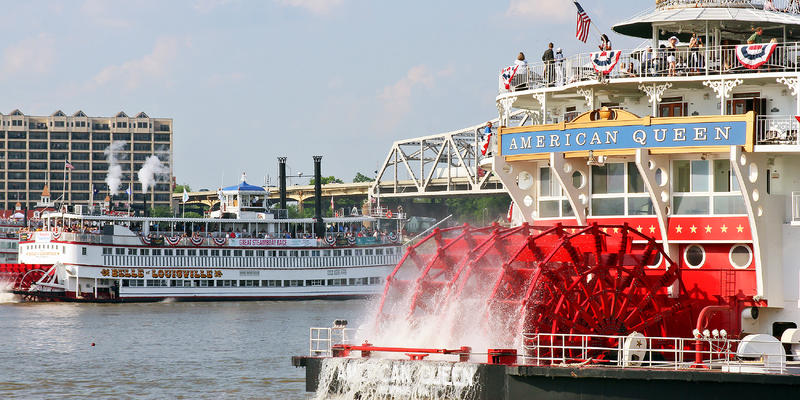 American Queen and Belle Louisville during the 2012 Kentucky Derby Festival (Photo: Vicki L. Miller/Shutterstock)
