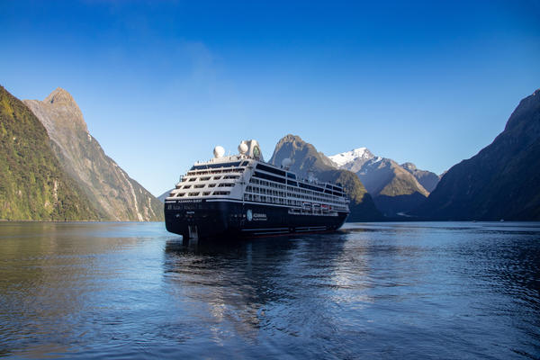 Azamara Quest in Milford Sound NZ (Photo: Tim Faircloth)