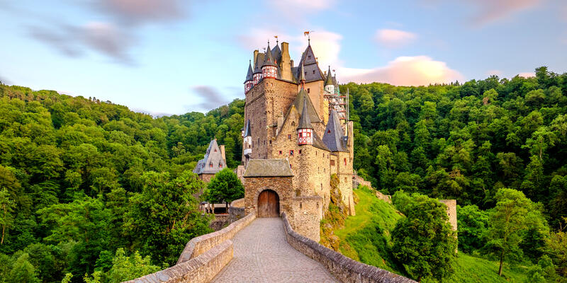 Burg Eltz Castle in Rhineland-Palatinate, Germany (Photo: haveseen/Shutterstock)