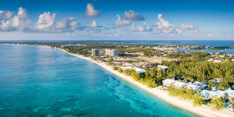 Grand Cayman Islands (Photo: andy morehouse/Shutterstock)