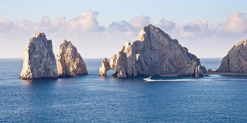 Cabo San Lucas, Mexico (Photo: Vivid Pixels/Shutterstock)