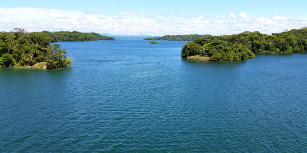Gatun Lake, Panama (Photo: FJZEA/Shutterstock)