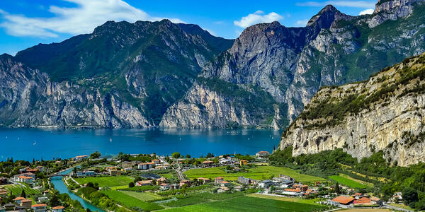 Lake Garda, Italy (Photo: zilber42/Shutterstock)