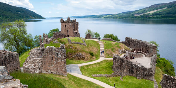 Ruins of Urquhart Castle on Lake Loch Ness, Scotland (Photo: George KUZ/Shutterstock)