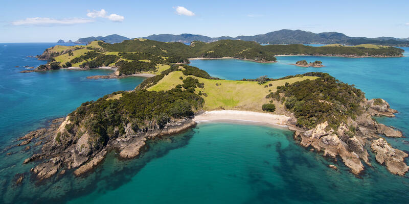 Bay of Islands, New Zealand (Photo: Ruth Lawton/Shutterstock)