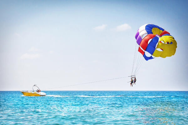 The Best Cruise Ports for Parasailing (Photo: Dzmitrock/Shutterstock)