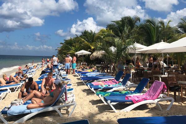 Mr. Sancho's Beach Club in Cozumel (Photo: Chris Gray Faust/Cruise Critic)