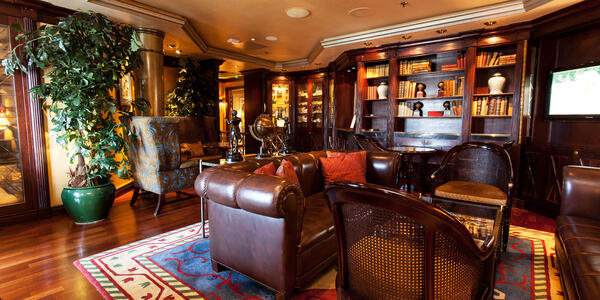 The Connoisseur Club on Crystal Symphony (Photo: Cruise Critic)