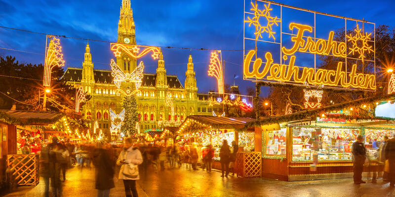 Traditional Christmas market in Vienna, Austria (Photo: S.Borisov/Shutterstock)