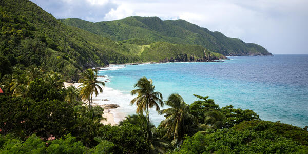 St. Croix Coastline (Photo: JohnHancockPhoto/Shutterstock)