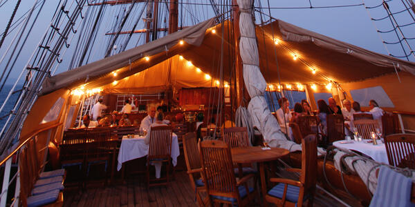Sea Cloud Dining at Night (Photo: Sea Cloud Cruises)