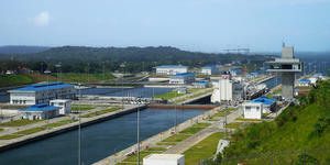 Agua Clara Locks of Panama Canal (Photo: halfofmoon/Shutterstock)