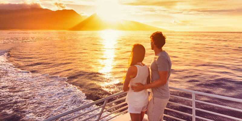 Couple on a Cruise (Photo: Maridav/Shutterstock)
