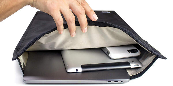 Mission Darkness Non-Window Faraday Bag for Laptops (Photo: Amazon)