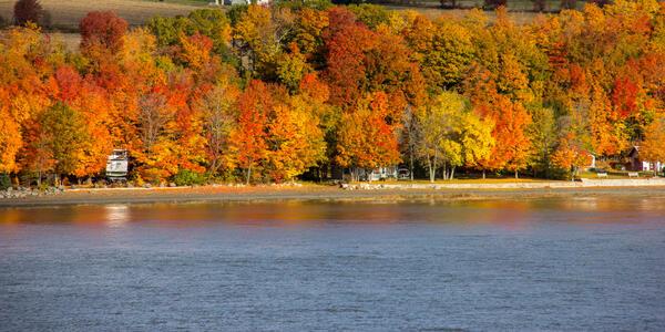 Saint Lawrence River in the Fall (Photo: Arne Beruldsen/Shutterstock)