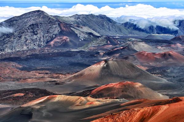Haleakala Volcano (Photo: Henner Damke/Shutterstock)