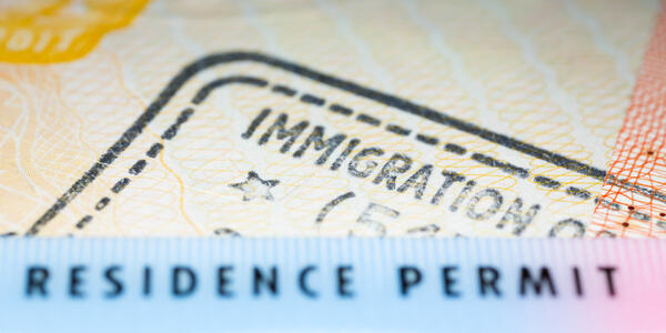 Immigration Card (Photo: Kseniya Lanzarote/Shutterstock)