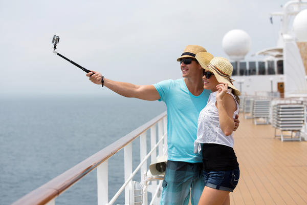 16 Best Places for Cruise Ship Selfies (Photo: michaeljung/Shutterstock)
