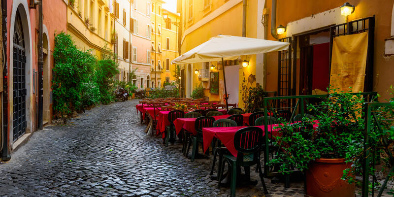 Cozy Old Street in Trastevere in Rome, Italy (Photo: Catarina Belova/Shutterstock)