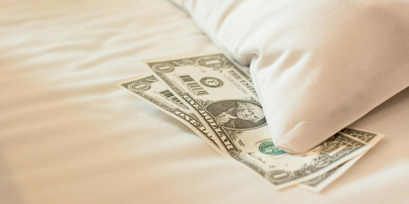 A Cash Tip Which is Common on Cruises (Photo: elwynn/Shutterstock)