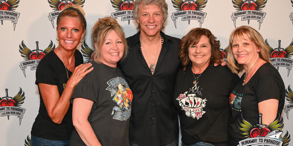 Runaway to Paradise with Jon Bon Jovi Cruise (Photo: @RobFuz)