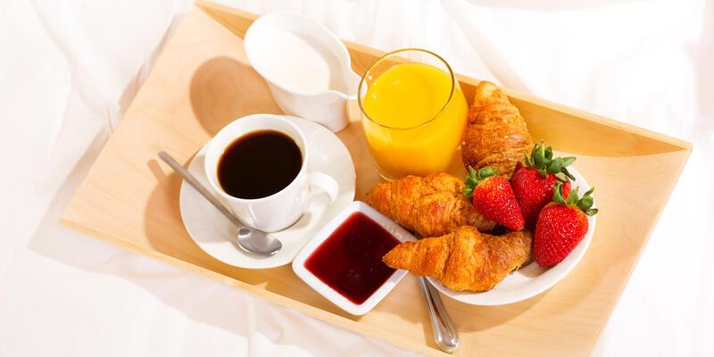 Breakfast in Bed (Photo: Nitr/Shutterstock)